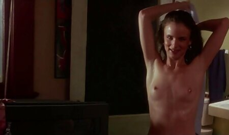 دختر را دوست دارد خود ارضایی, مشت کردن آسان است و فیلم سینمایی نیمه سکسی روان شناسی
