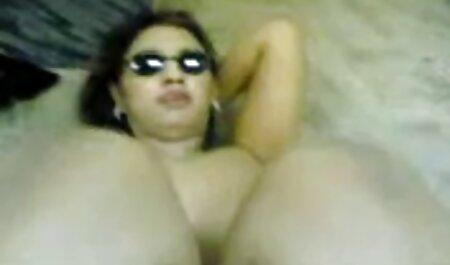 لورنا گارسیا در لباس چرم و فیلمنیمهسکسی چکمه