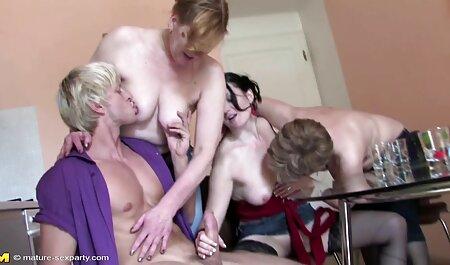 سینه کلان, نوجوان, فیلم های سینمایی نیمه سکسی ستاره های پورنو است که فقط بیش از حد خوشحال به یک فاک خوب با دوست دختر خود را بر روی نیمکت
