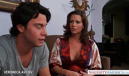 نوجوان پورنو مدل شاخه و نشان می دهد کلاس در رابطه جنسی داستان نیمه سکسی با یک دختر