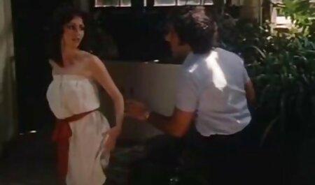 سینه کلان, اعلام شده توسط ماساژ دهنده فیلمهای نیمه پورن