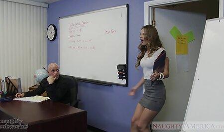 بانوان ناز خورد دیک- دانلود فیلم نیمه پورن